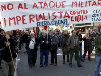 Manifestación contra la intervención militar en Libia